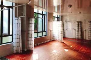 上海英澳新国际高中洗澡间