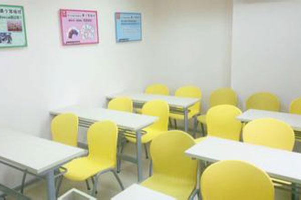 昂立少兒教育教室桌椅