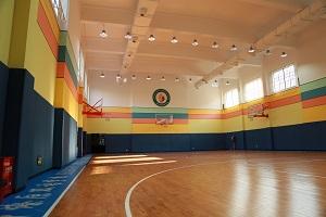 上海燎原双语学校室内篮球场