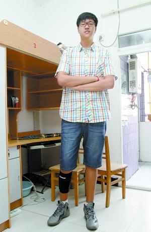 9月5日,西南政法大学,大一新生张政远身高2米06.
