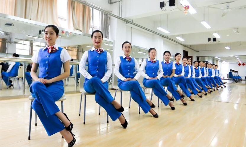 空姐培训_然而大家不知道的是,想要做一名空哥或者空姐,必须通过各项严格的培训