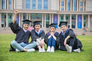 上海财经大学在职研究生难道只有本科生才能报吗?