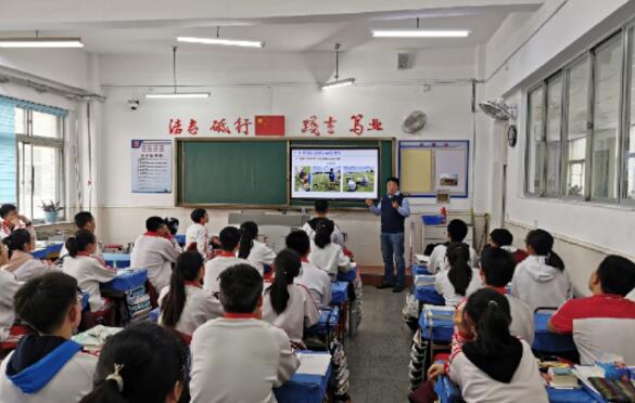 大连海事大学船舶与海洋工程学院赴高中开展招生宣传讲座