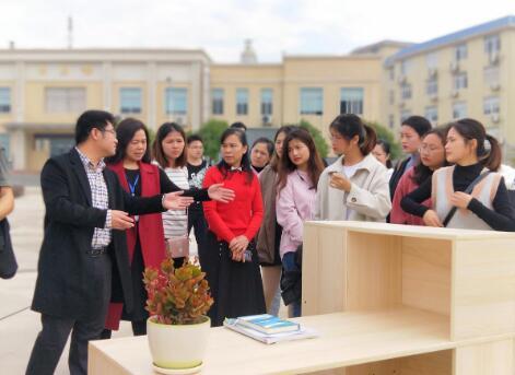 """贺州学院设计学院举办""""家具设计""""课业展"""