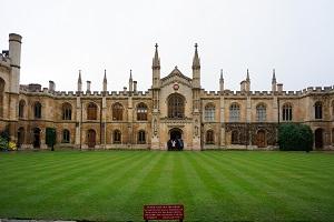 英国留学理工科专业及院校推荐