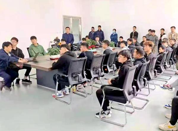 六安职业技术学院举办顶岗就业学生活动