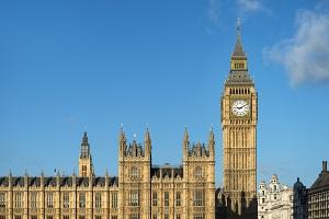 高考后怎么申请英国2+2留学?