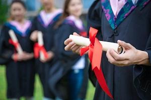 高中毕业后选择中外合作办学留学好不好?