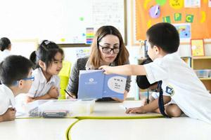 北京市朝阳区赫德双语学校对户籍有要求吗?怎么入学?